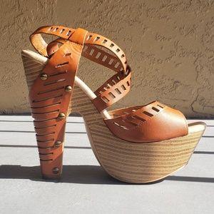 Jessica Simpson Brown Platform Heels, Size 6